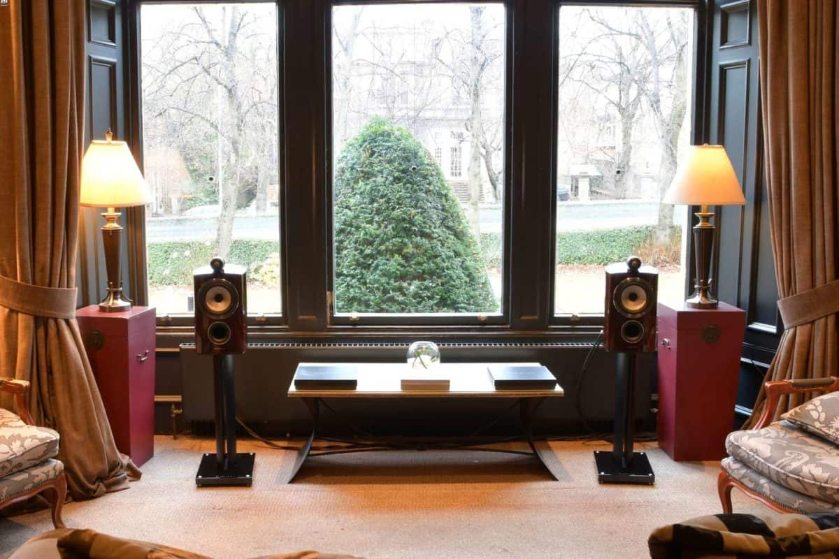 Bowers and Wilkins 805 Prestige