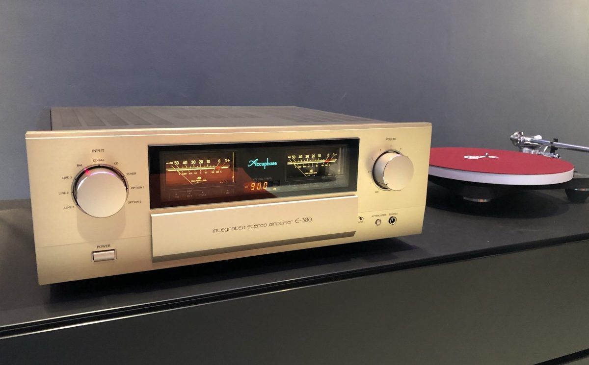 Accuphase E-380 integrated amplifier front dem room